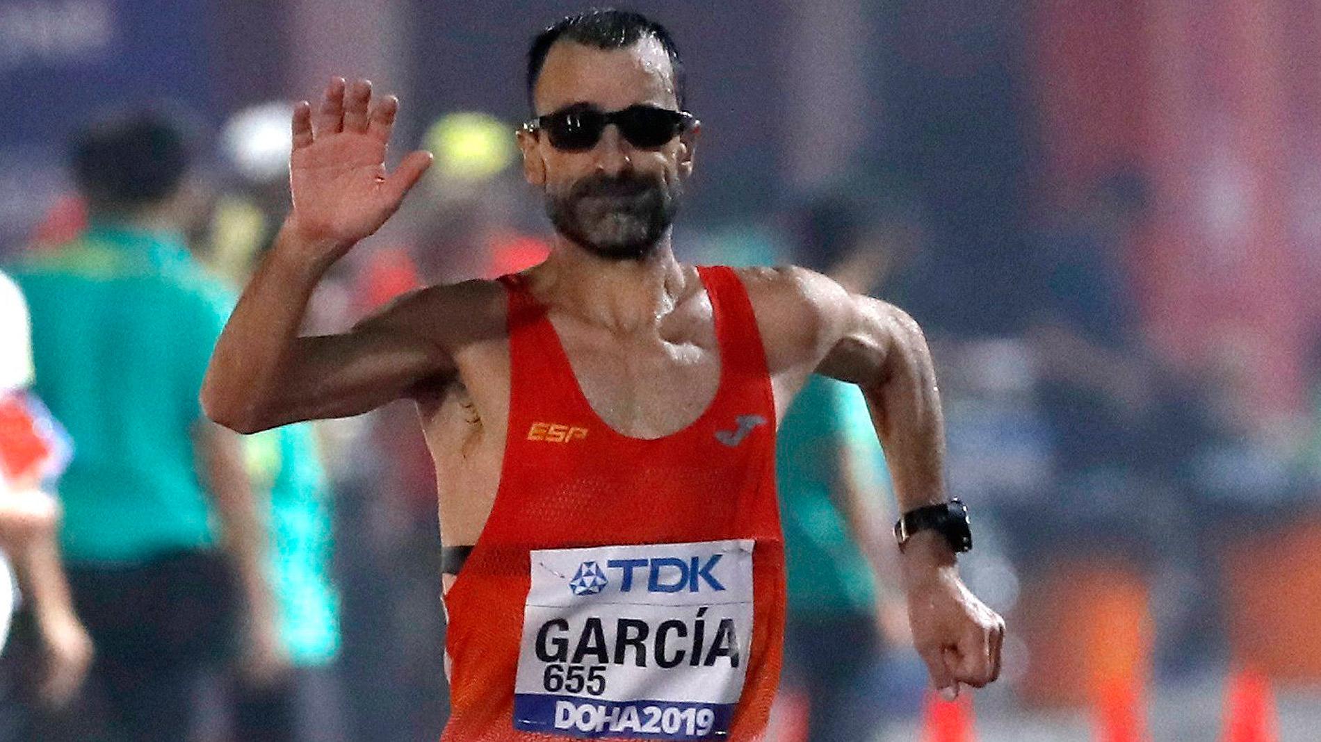 2019. El campeón llega a la meta de Doha con 49 años y se clasifica para Tokio 2020.